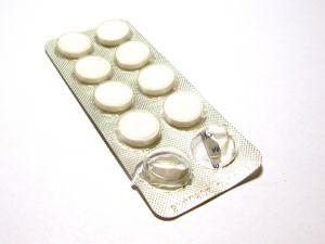Pickel-Behandlung: Aspirin kann auch gegen Pickel sehr wirkungsvoll eingesetzt werden
