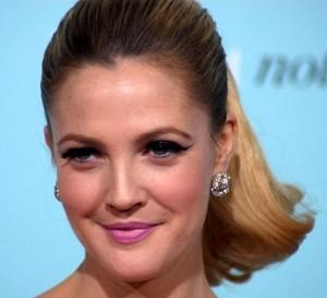 Drew Barrymore bekommt eine eigene Kosmetiklinie