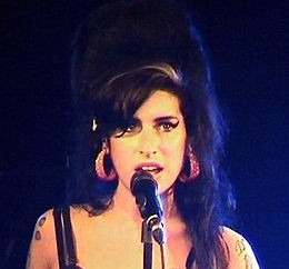 Amy Winehouses Brautkleid gestohlen
