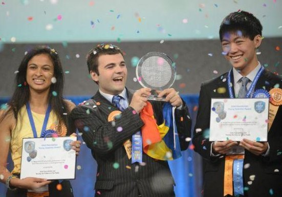 Intel Foundation zeichnet 18-Jährige für Erfindung eines Schnelllade-Akkus aus