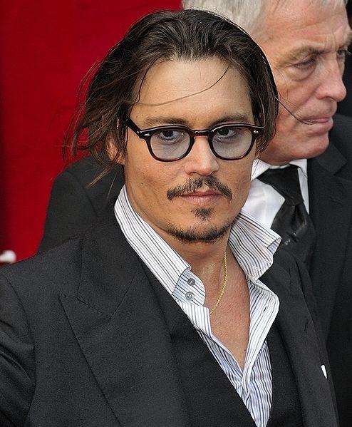Mittelfinger hoch: Vanessa Paradis sauer über Johnny Depps Verlobung?