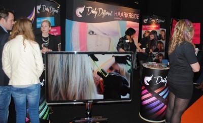 Haarkreide als Blickfang auf der Top Hair 2014 in Düsseldorf