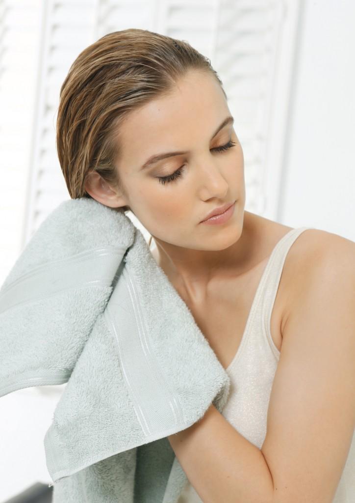 4 Beauty-Tricks zum richtigen Haare föhnen @Nivea