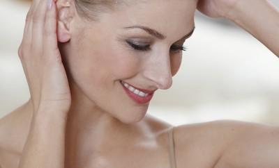 Den Rotstich mit Hausmitteln entfernen (c) Beautypress / Sikapur